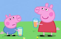 Peppa und ihr Bruder Schorsch aus der 'Sendung mit dem Elefanten' trinken ein Glas Orangensaft ; Rechte: WDR