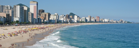 Strand von Ipanema in Rio de Janeiro; picture alliance / abaca
