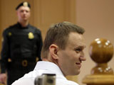 Blogger Alexei Navalny w�hrend der Gerichtsverhandlung im Leninsky district court in Kirov, Russia,; picture-alliance/dpa