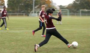 Mohammad bei Fußballspiel.; Rechte: WDR