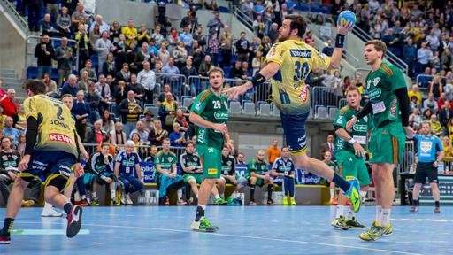 Handballmannschaft bei Spiel.